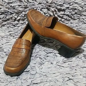 Naturalizer Brown Leather Loafer with Stacked Heel